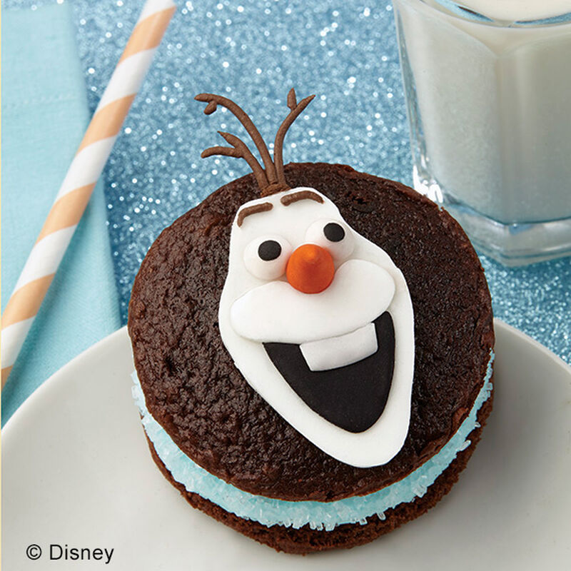 Olaf the Snowman Whoopie Pies image number 0