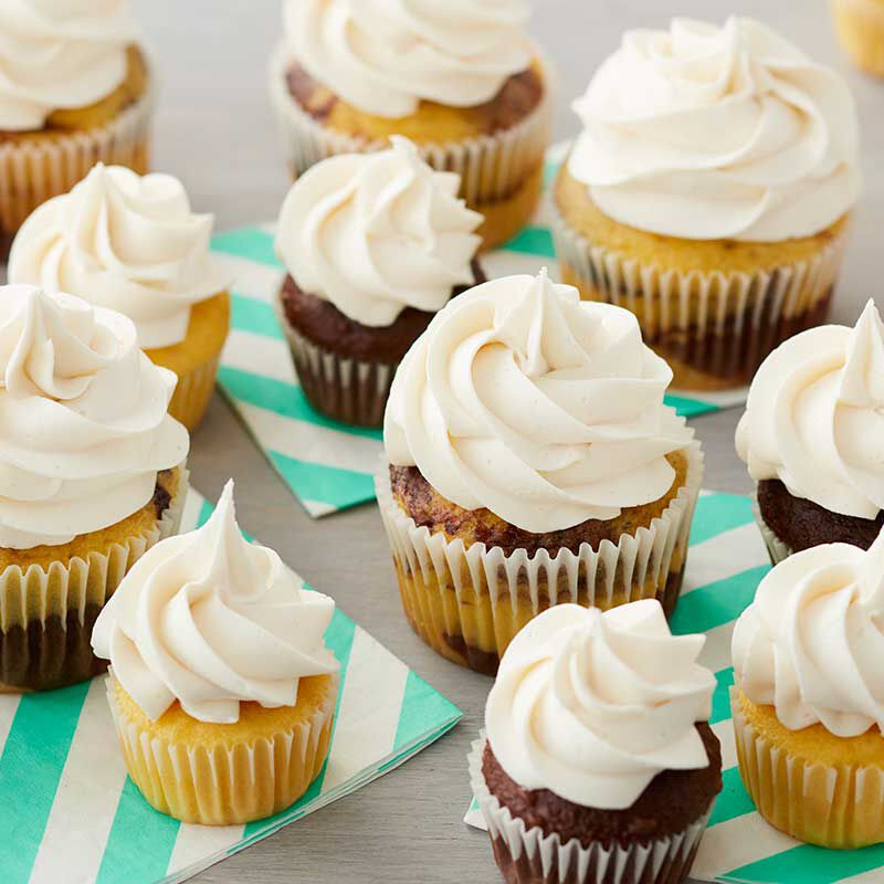 Easy Vanilla Buttercream Frosting image number 0