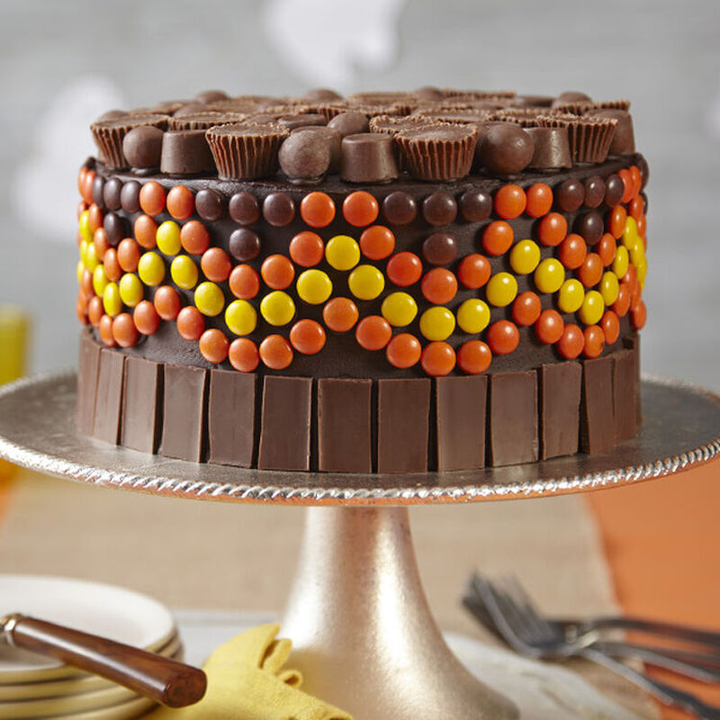 Easy Candy Halloween Birthday Cake image number 0