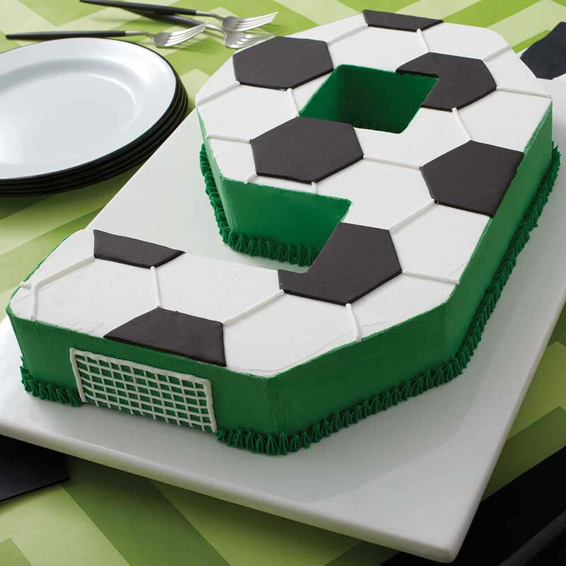 Go for the Goal Soccer Cake image number 1