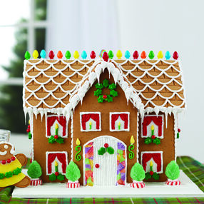 Estate Sized Gingerbread Manor 1