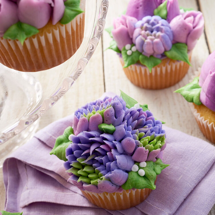 Easy Bloom Floral Cupcakes