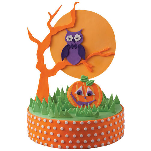 A Hoot and a Howl! Cake
