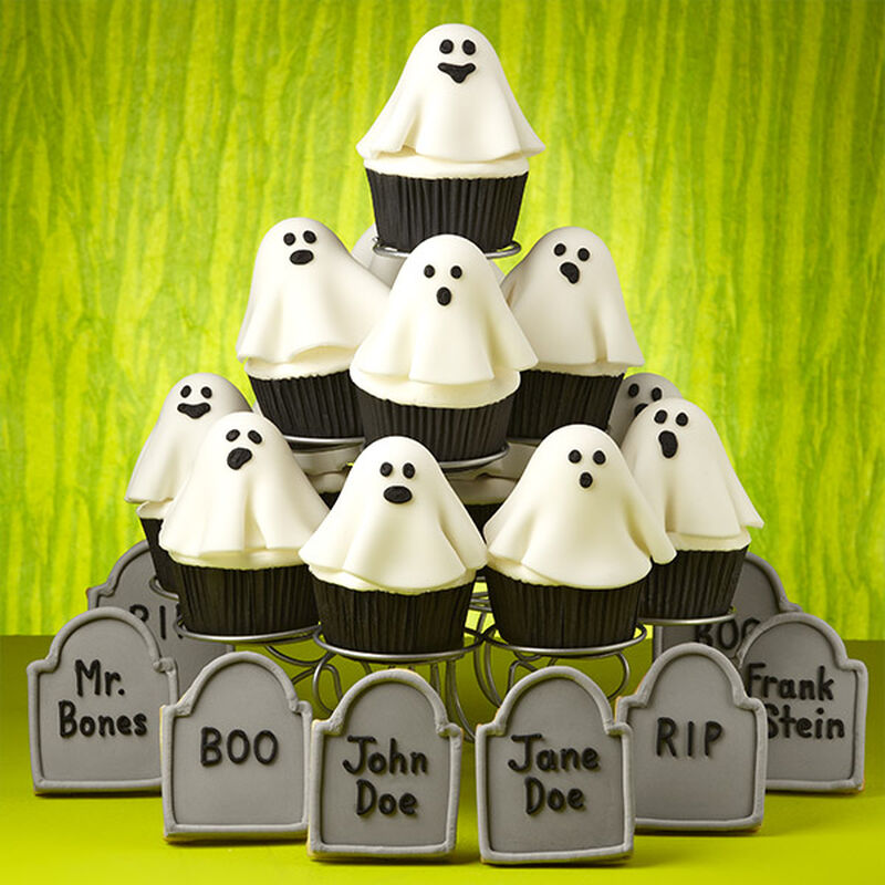 Ghosts in the Graveyard Cupcakes image number 0