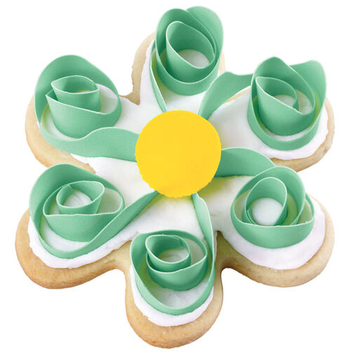 Giddy for Green Scroll Flower Cookies