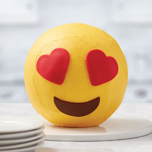Ro 3D Heart Eye Emoji Cake