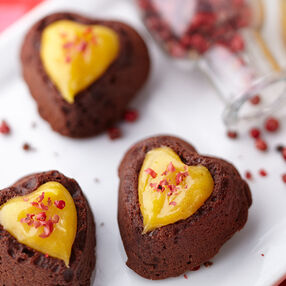 Mango & Pink Peppercorn Chocolate Cake Bites