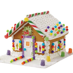 Small and Stylish Gingerbread House #2