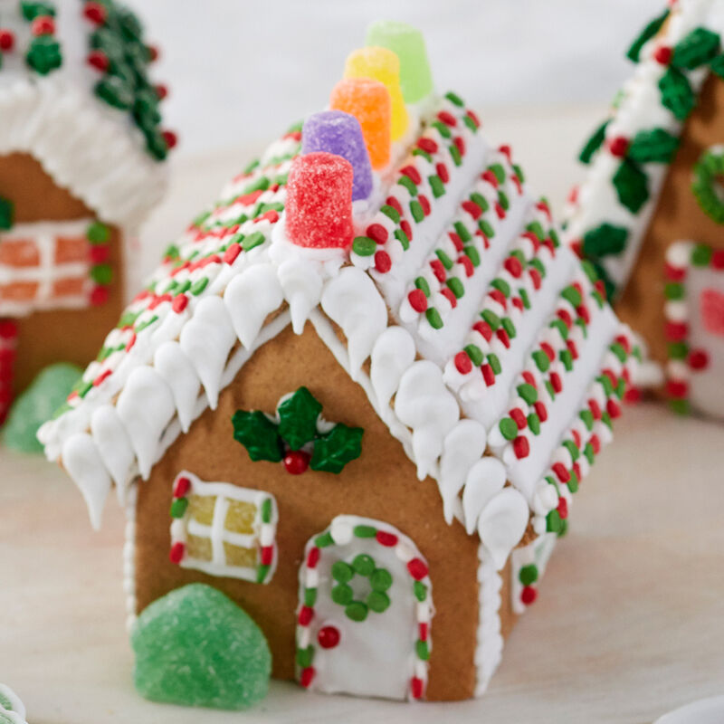 Holiday Fun Mini Gingerbread Village Small Classic Cottage image number 0
