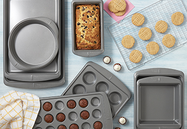 Shop Wilton Products - Cake Pans and Bakeware
