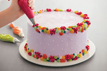 Colorful Stars & Rosettes Cake Course