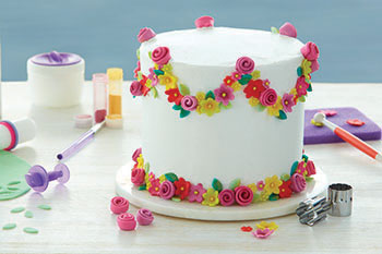 Cakes with Fondant Flair Course